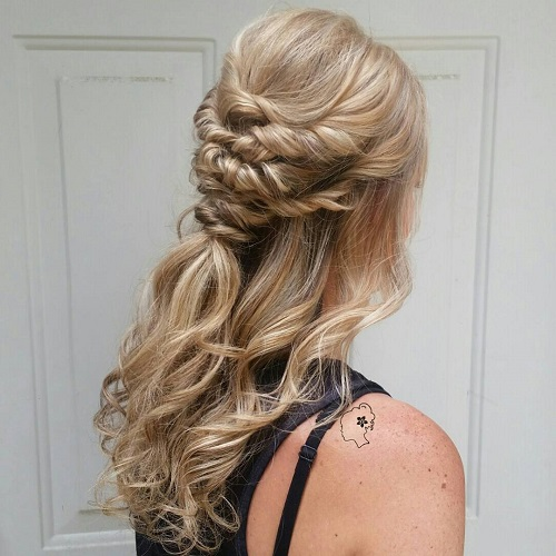 Curly hairstyles for wedding guests