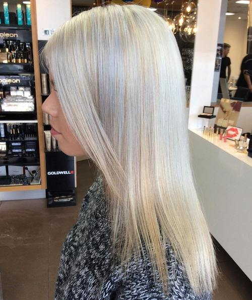 silver blonde straight hairstyle for thin hair