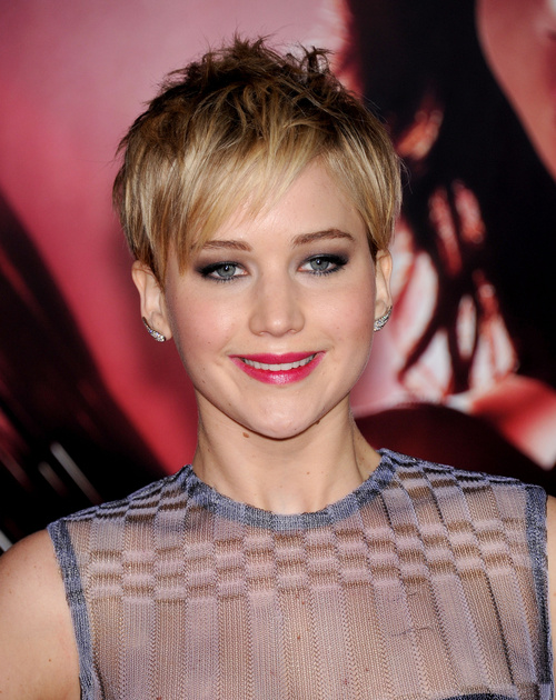 Jennifer Lawrence pixie hairstyle for straight thin hair