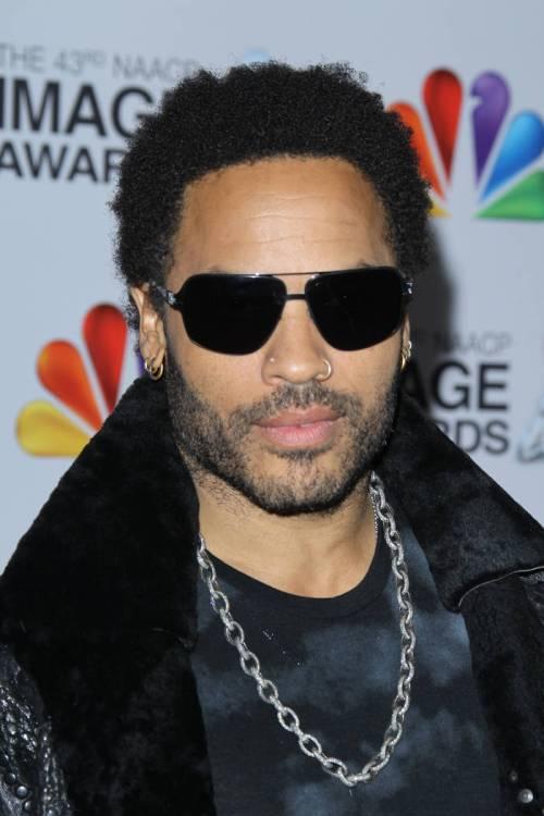 Lenny Kravitz short hairstyle for black men