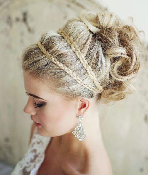 сurly blonde wedding updo