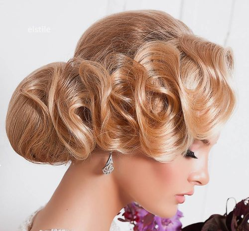bridal chignon with finger waves
