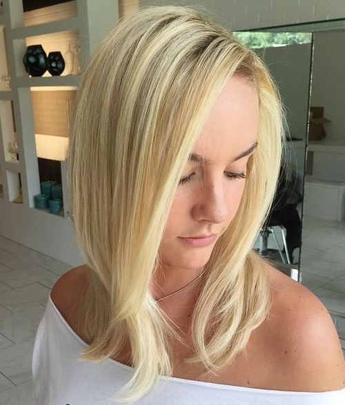medium blonde hairstyle for straight hair