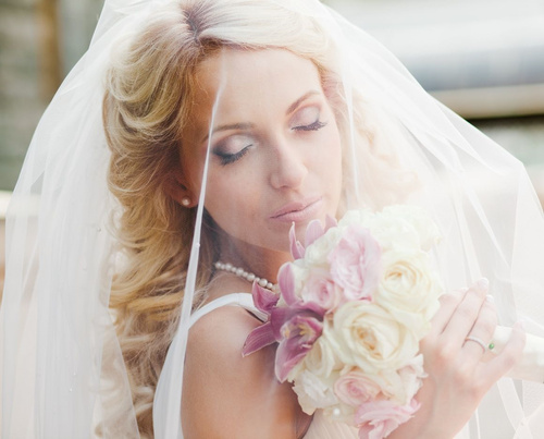 beach wedding hairstyle with a bridal veil