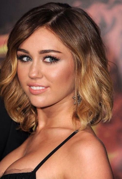 Miley Cyrus wavy lob hairstyle