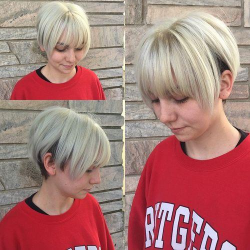 short blonde bob haircut