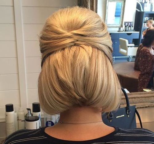 half up hairstyle for bob length