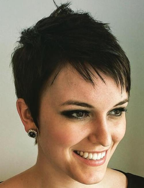 60 Cute Short Pixie Haircuts – Femininity and Practicality