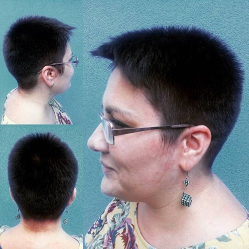 simple short haircut for women