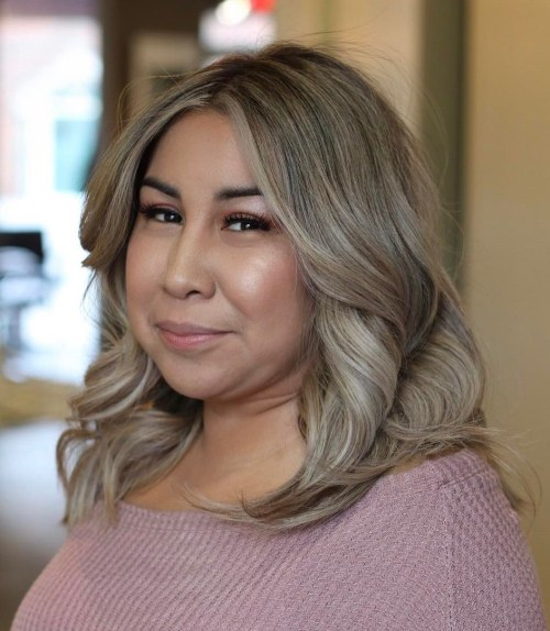 Ash Blonde Lob For Round Face