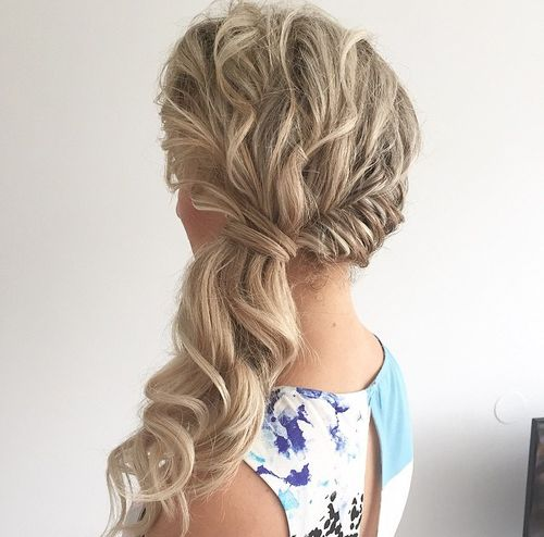 side wavy blonde ponytail