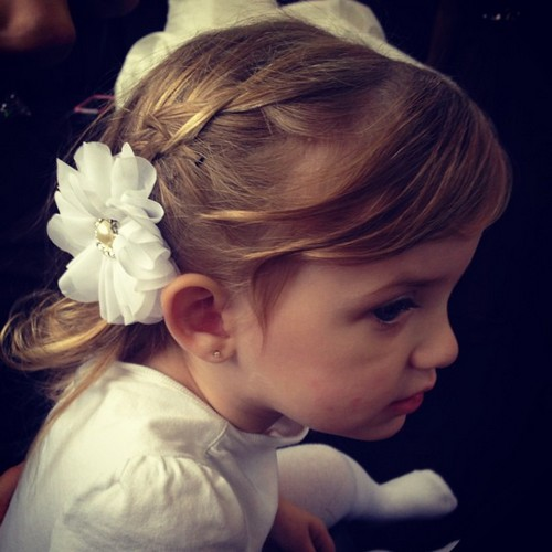 how to make flower girl hairstyles