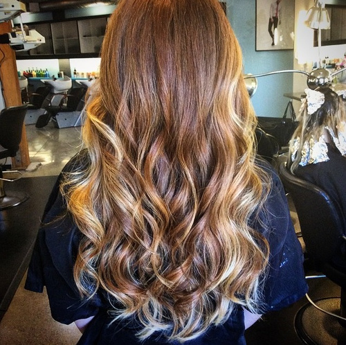 light brown hair with golden blonde ombre