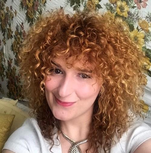 caramel permed hair style for medium hair