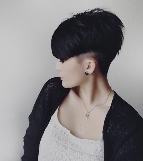 short sassy layered haircut