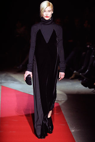 00360m1 FALL 2010: VELVET  KEY ITEMS   The Sche Report / Margaret Sche