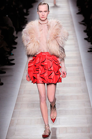 valentino HOW TO WEAR RED FOR FALL 2010   The Sche Report / Margaret Sche