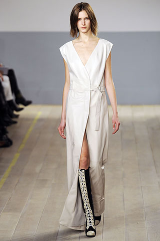 00340m NYC FASHION WEEK:  ONES TO WATCH   The Sche Report / Margaret Sche