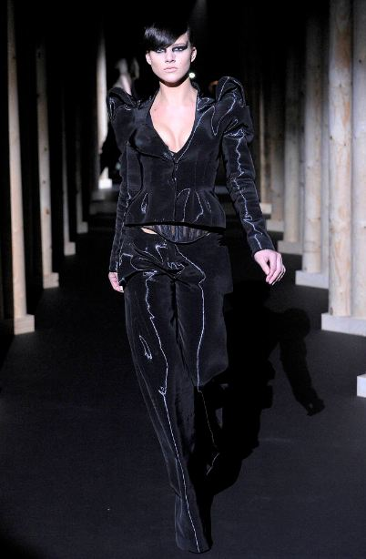 mugler runway ARMANI SETS THE DIGITAL TONE FOR 2012   The Sche Report / Margaret Sche