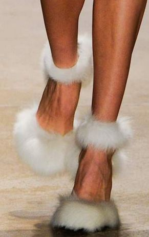 runway shoes 5 KEY ITEMS FOR FALL 2011: GET THE LOOK   The Sche Report / Margaret Sche
