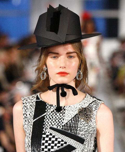 9 MUST WATCH: OSCAR DE LA RENTAS HANDMADE PAPER HATS   The Sche Report / Margaret Sche