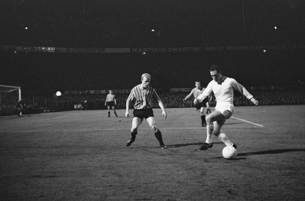 Feyenoord_tegen_Real_Madrid_2-1,_spelmomenten._Gento