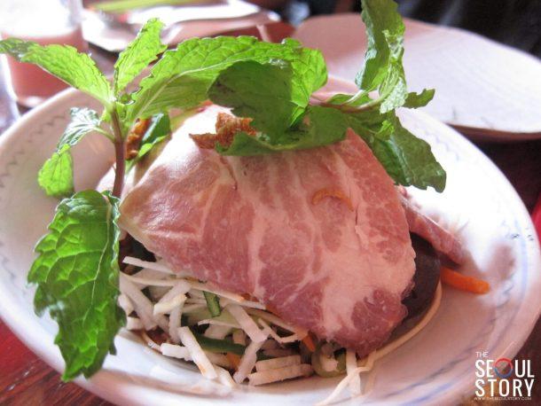 vegetable kon lau mee with sliced mangalica pork