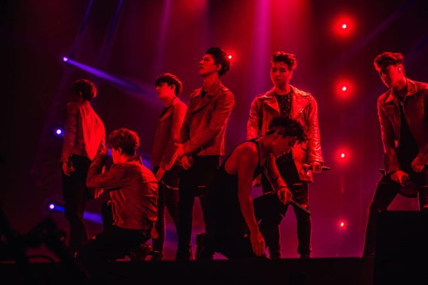 iKONCERT 2016 SHOWTIME TOUR IN SINGAPORE - Concert Image (1)