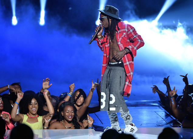 Lil-Wayne-BET-AWARDS-2014-Awards-Show-wearing-Trukfit-red-plaid-shirt-2