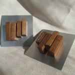 Escultura modular de madera y acero