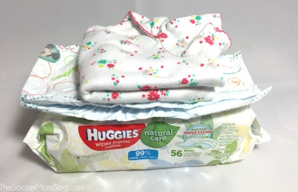 Diaper emergency? No problem! This handy Diaper Blowout Kit contains everything you need to clean up and fits just about anywhere!