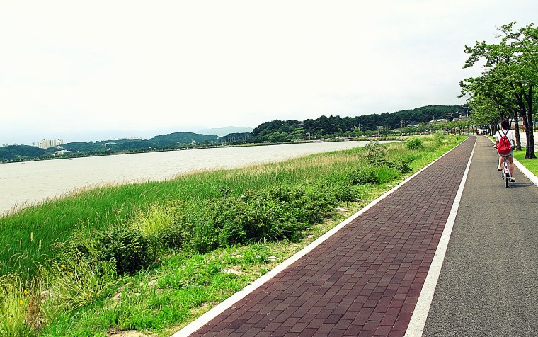 Gangneung, Korea: Gyeongpo Lake Biking