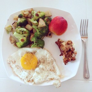Food: Breakfast, Broccoli&Hashbrowns, Egg, Peach and Carrot Cake