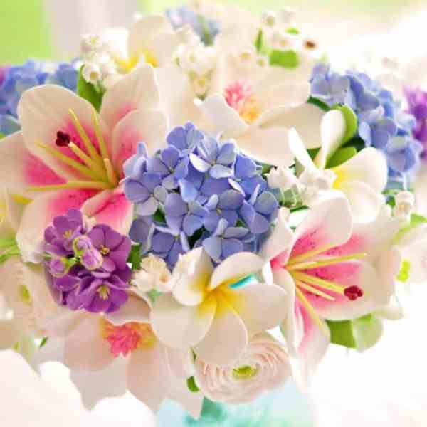 Floral Styling 101: Tips to Create a Stunning Summer Arrangement