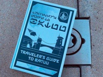 "Book Review: ""Traveler's Guide to Batuu"" Demonstrates the Depth of Galaxy's Edge"