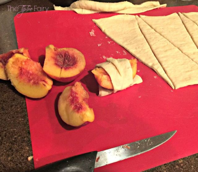 Easy Peach / Nectarine Dumplings! A quick and easy dessert made with crescent rolls!   The TipToe Fairy