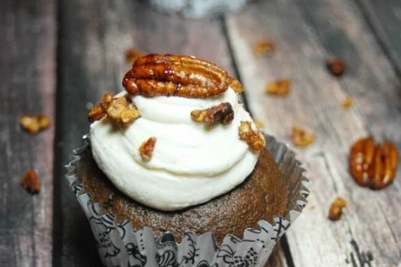 chocolate-bourbon-pecan-pie-cupcakes-2