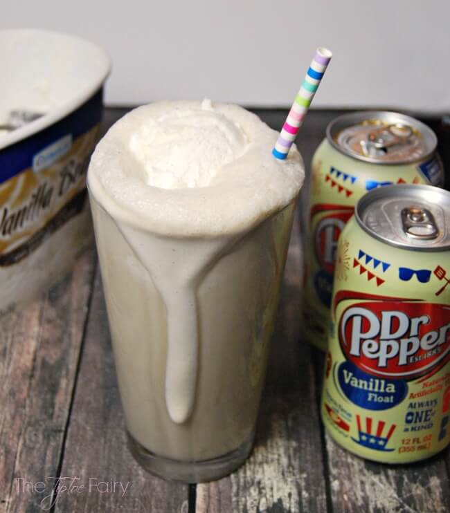 Dr Pepper Vanilla Float® Blended Floats drink - a frozen treat to bring back the nostalgia of summer! | The TipToe Fairy