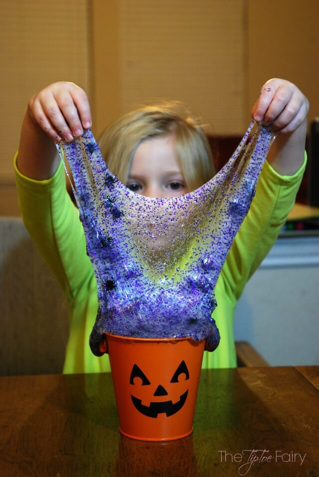 Halloween Spider Slime - fun holiday play for kids! #ad #GameOnTheGo | The TipToe Fairy