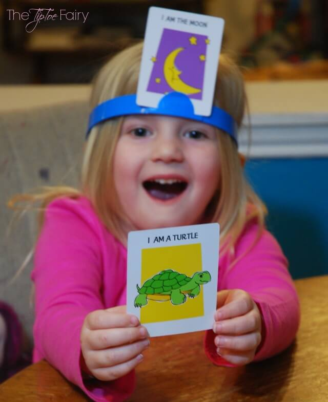 Have a family game night with #Hedbanz! #ad | The TipToe Fairy