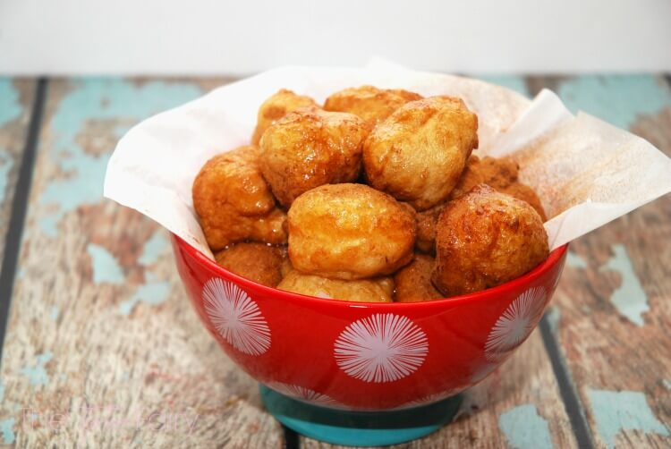Loukoumades - Greek Donuts w/ My Big Fat Greek Wedding 2 #SundaySupper #food #recipe