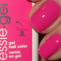 MANI MONDAY: ESSIE GEL POLISH REVEALED