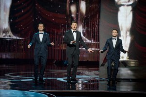 Oscar host Seth MacFarlane entertained the audience with a slew of musical numbers that showcased his singing talents. The night was also filled with a number of upsets in the categories for Best Director and Original Screenplay.