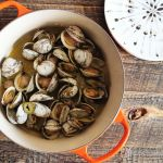 steamed clams : le creuset