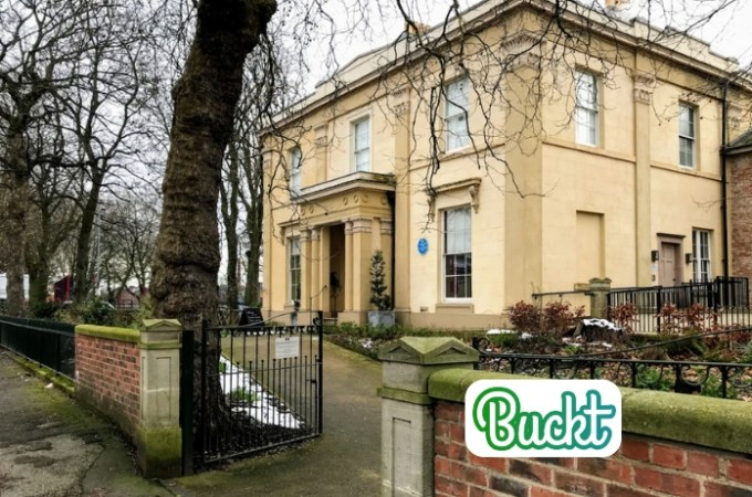 Buckt | Elizabeth Gaskells House | Activity Subscription Box | THings to do in Manchester | The Urban Wanderer | Sarah Irving | UK | Outdoor Blogger | Travel Blogger | Manchester Blogger