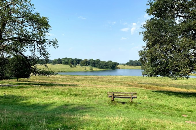 Outdoor places to walk without booking (and space for distancing)