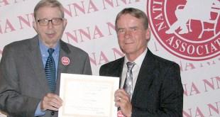 hinton-accepts-nna-award-web