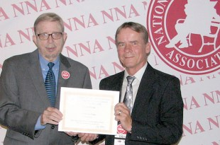 hinton-accepts-nna-award-web