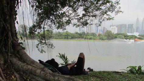 Nomad in Kuala umpur. Sleeping in Titiwangsa Park