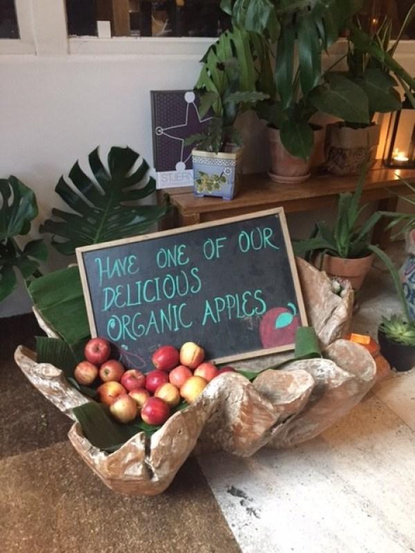 Organic apples at Axel Guldsmeden